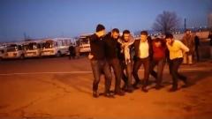 Հայաստանում զինվորներին բանակ են ճանապարհում ժողովրդական երգ ու պարով