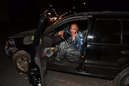 Կեղծ ոստիկանի համազգեստով ջիպավորները՝ խմած վիճակում խոշոր ավտովթարի պատճառ...video