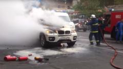 Արտակարգ դեպք Երևանում. հրդեհ է բռնկվել ռուսական համարանիշներով BMW X6-ում