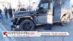 Խոշոր ավտովթար Երևանում. բախվել են «յաշիկ»-ն ու Nissan-ը. Nissan-ն էլ բախվել է կայանված BMW X5-ին